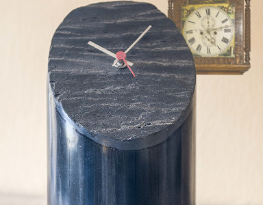 Table Clock 010