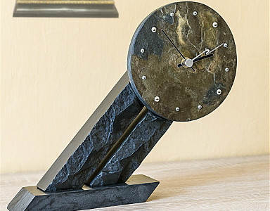 Table Clock 011